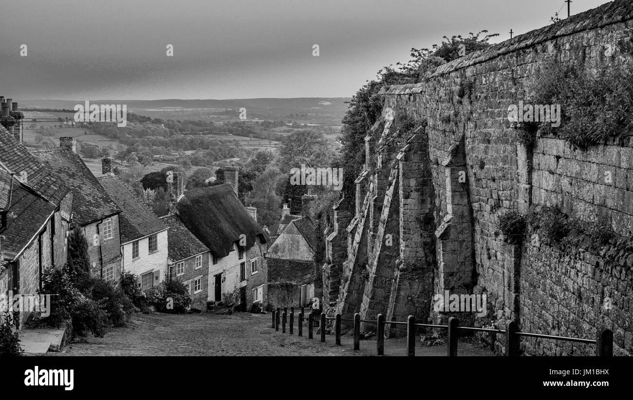 Gold Hill Shaftsbury - Stock Image