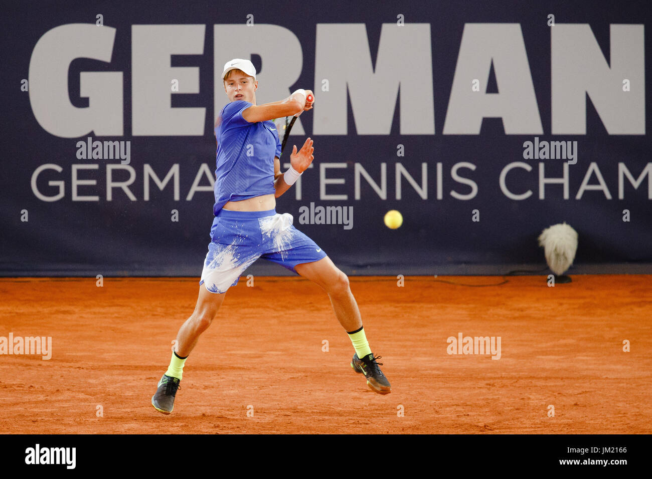 Hamburg, Germany, 25th July 2017: 16 years old tennis player Rudolf Molleker during the German Open 2017 at the Hamburg Rothenbaum. Credit: Frank Molter/Alamy Live News - Stock Image