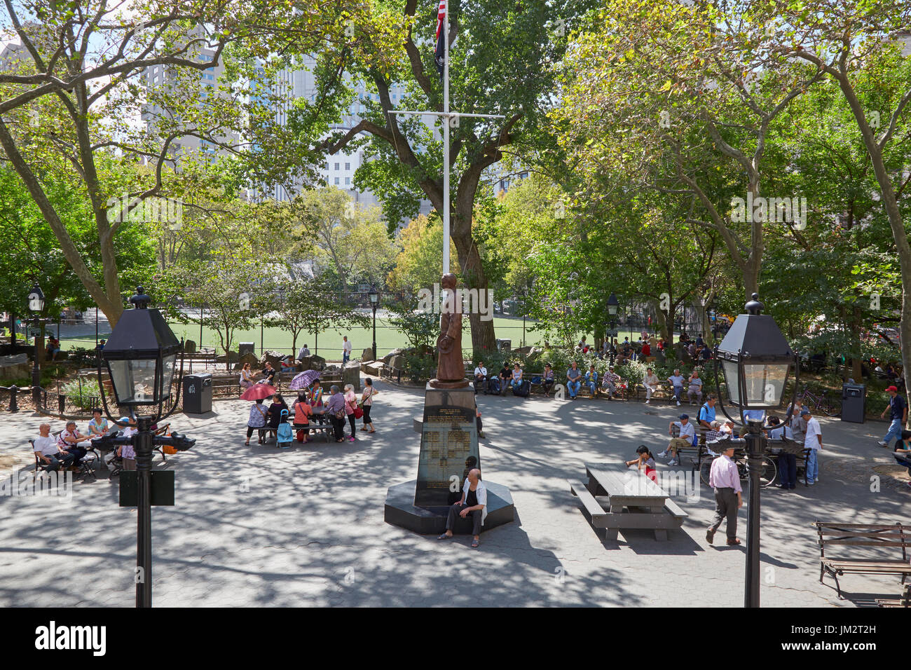 Columbus Park with people playing Chinese Chess in New York - Stock Image