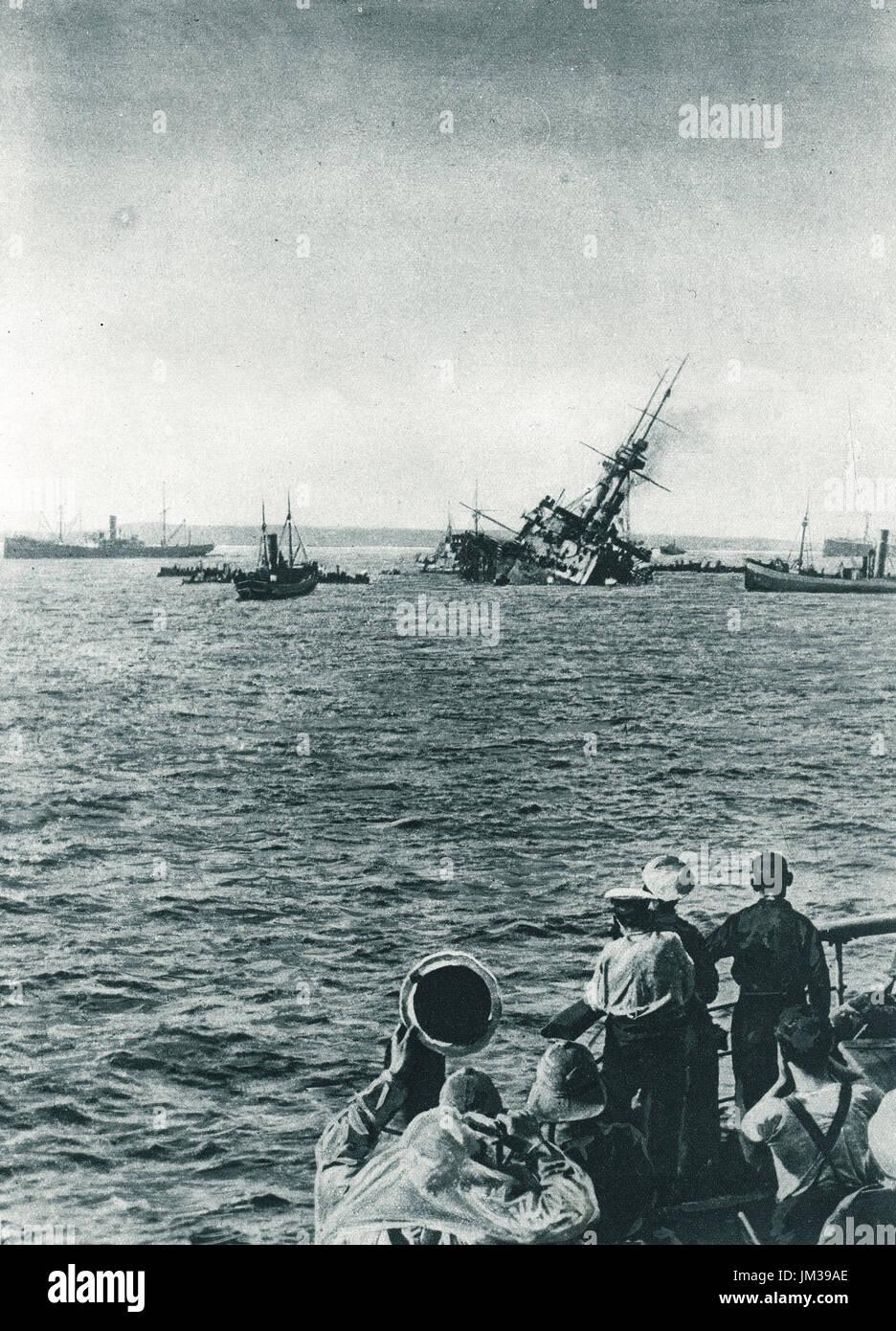 HMS Majestic torpedoed Gallipoli, 1915 - Stock Image