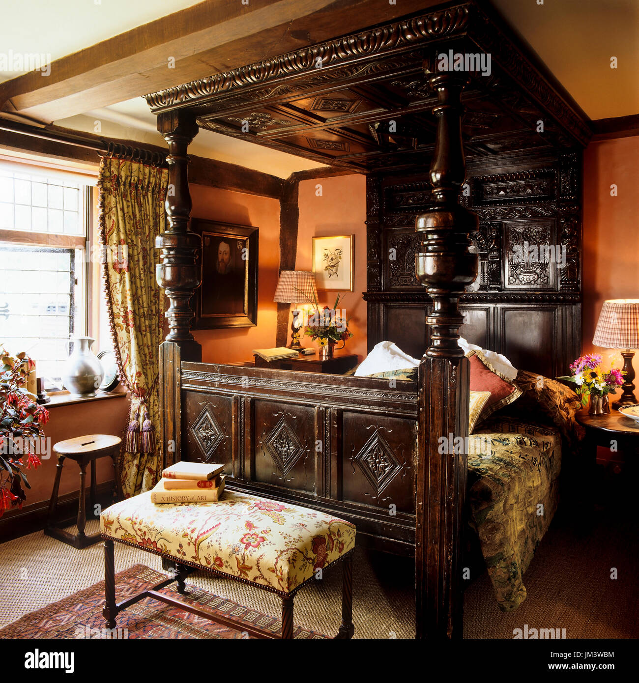 Victorian Bedroom With Wooden Four Poster Bed Stock Photo Alamy