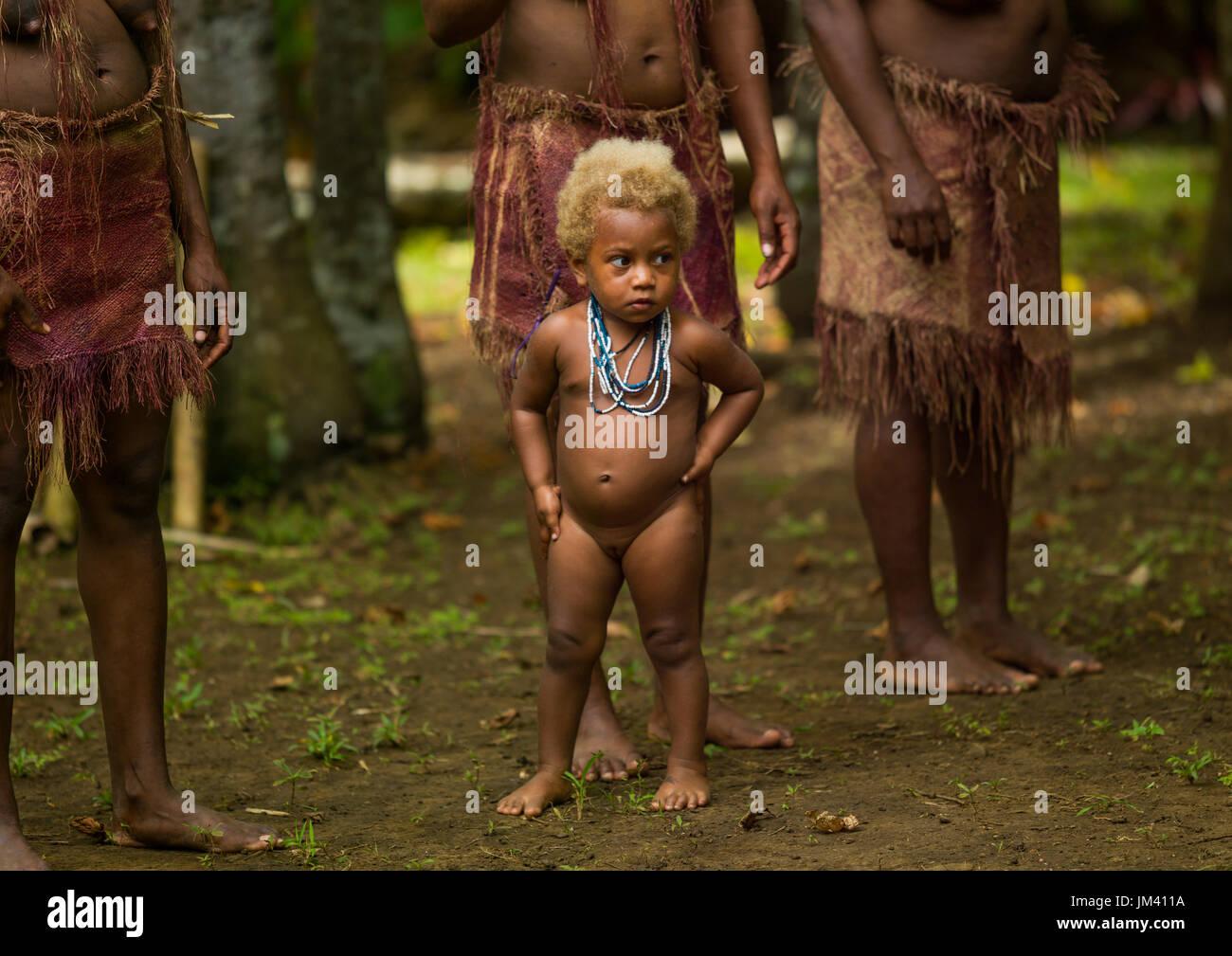 Blonde Big Nambas tribe girl, Malampa Province, Malekula Island, Vanuatu - Stock Image