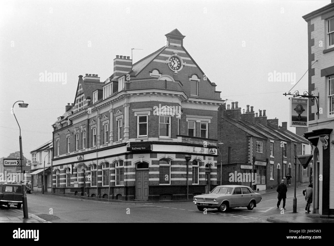 the railway inn on railway terrace rugby england uk in the 1970s - Stock Image