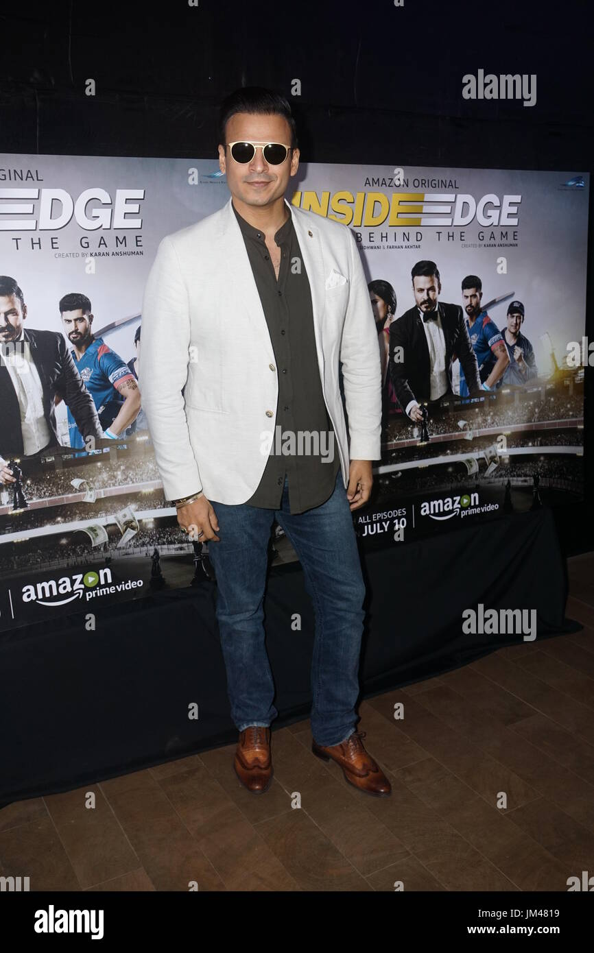 Mumbai,india,7th july 2017.bollywood actor Vivek Oberoi at first Screening of Inside edge web series at the view ,santracruze Photo by Prodip Guha - Stock Image