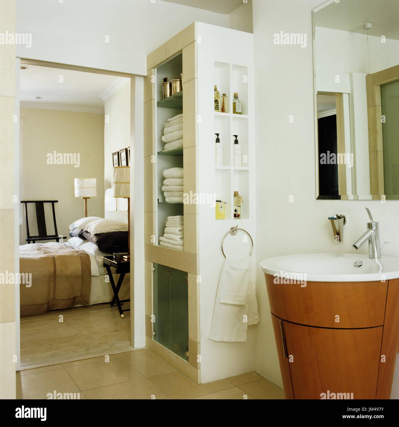 Ensuite bathroom - Stock Image