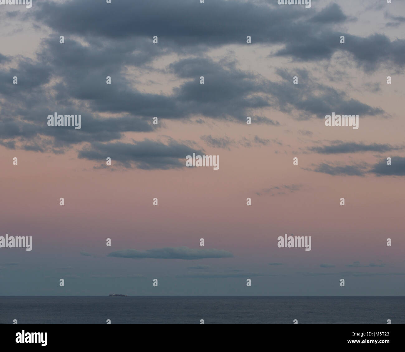skyline sky skies digital overlay Stock Photo: 150104699 - Alamy