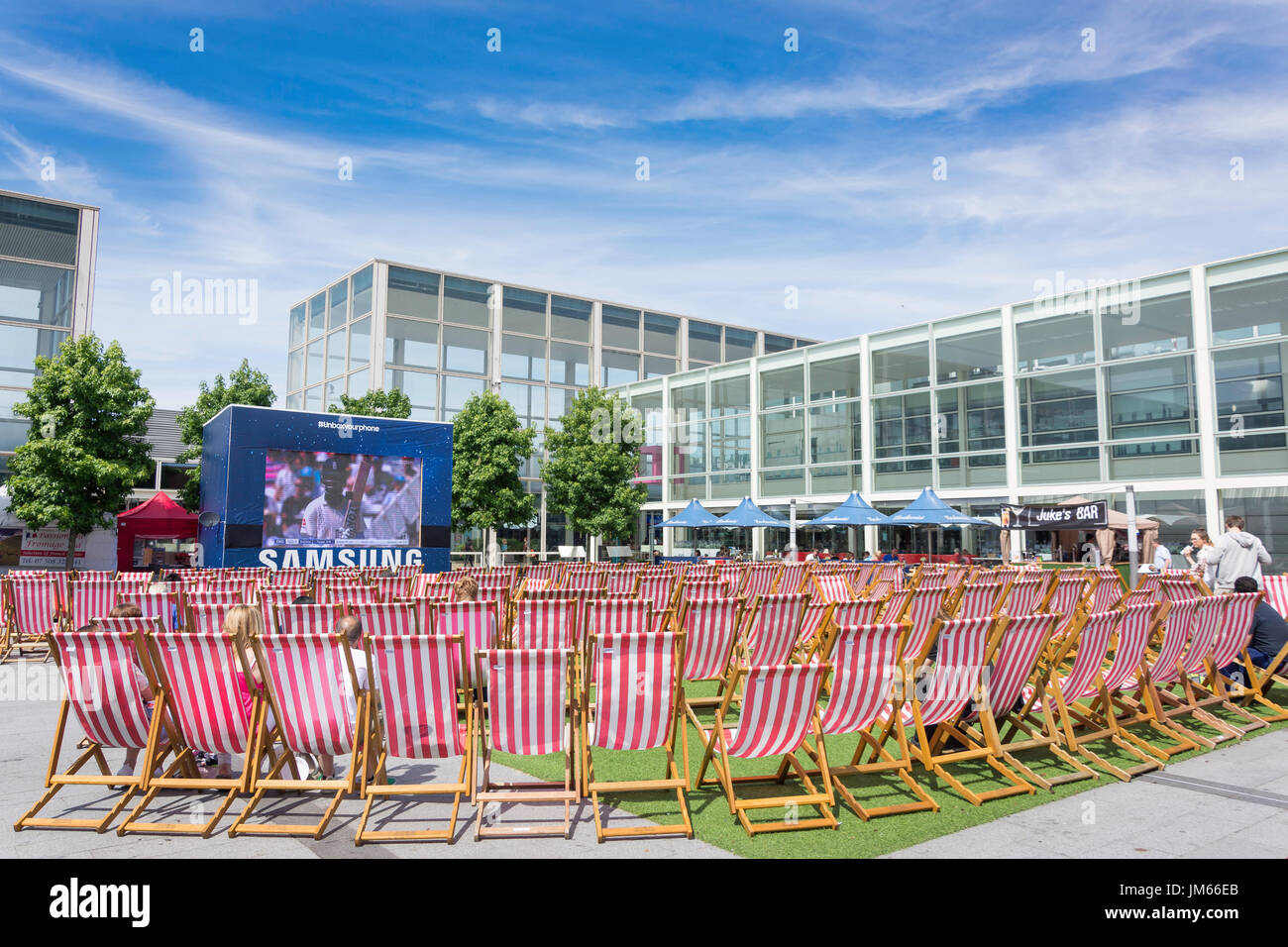 outdoor deck chairs at milton keynes shopping centre the centre mk