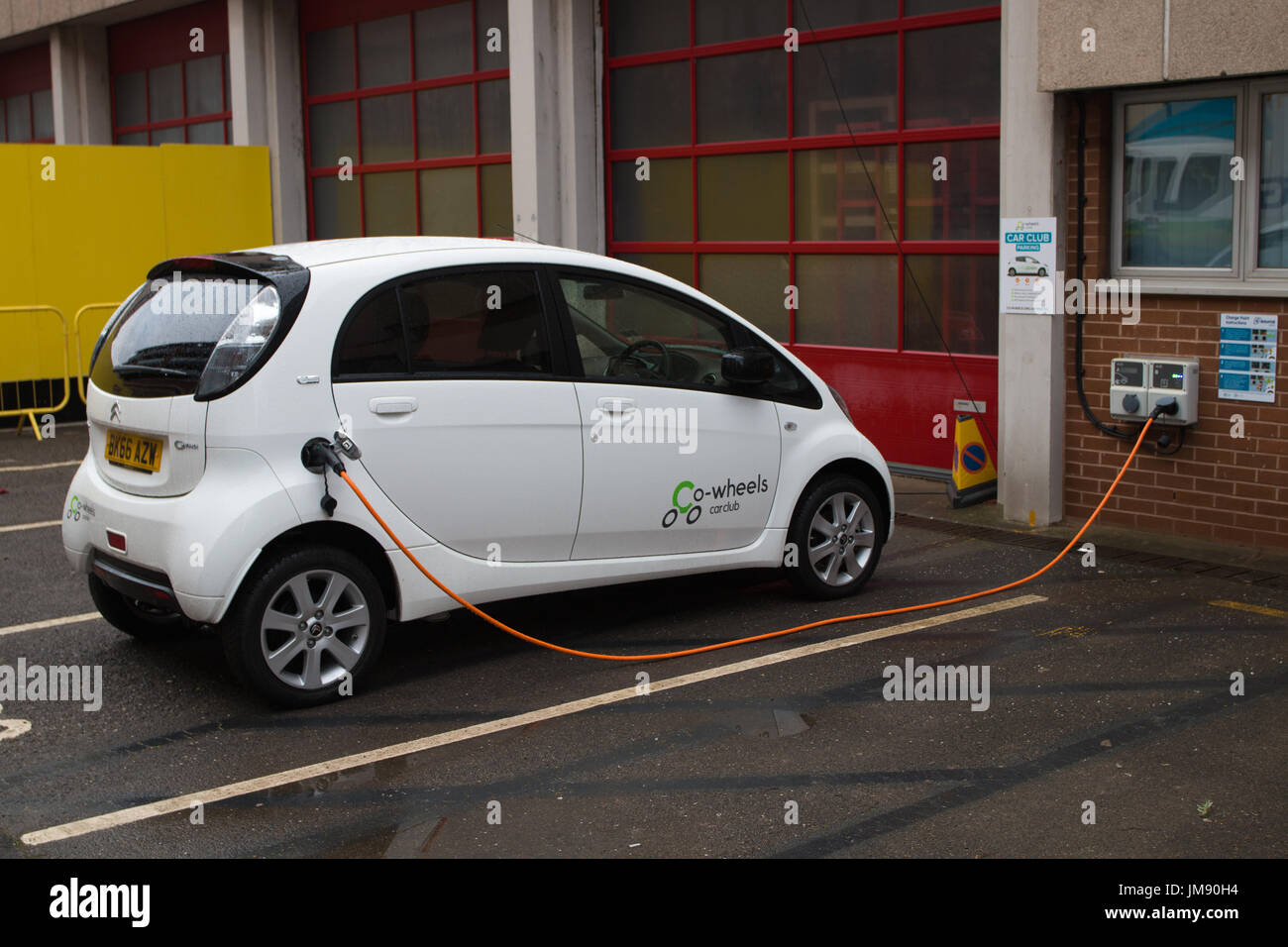 ELECTRIC CAR: Charging - Stock Image