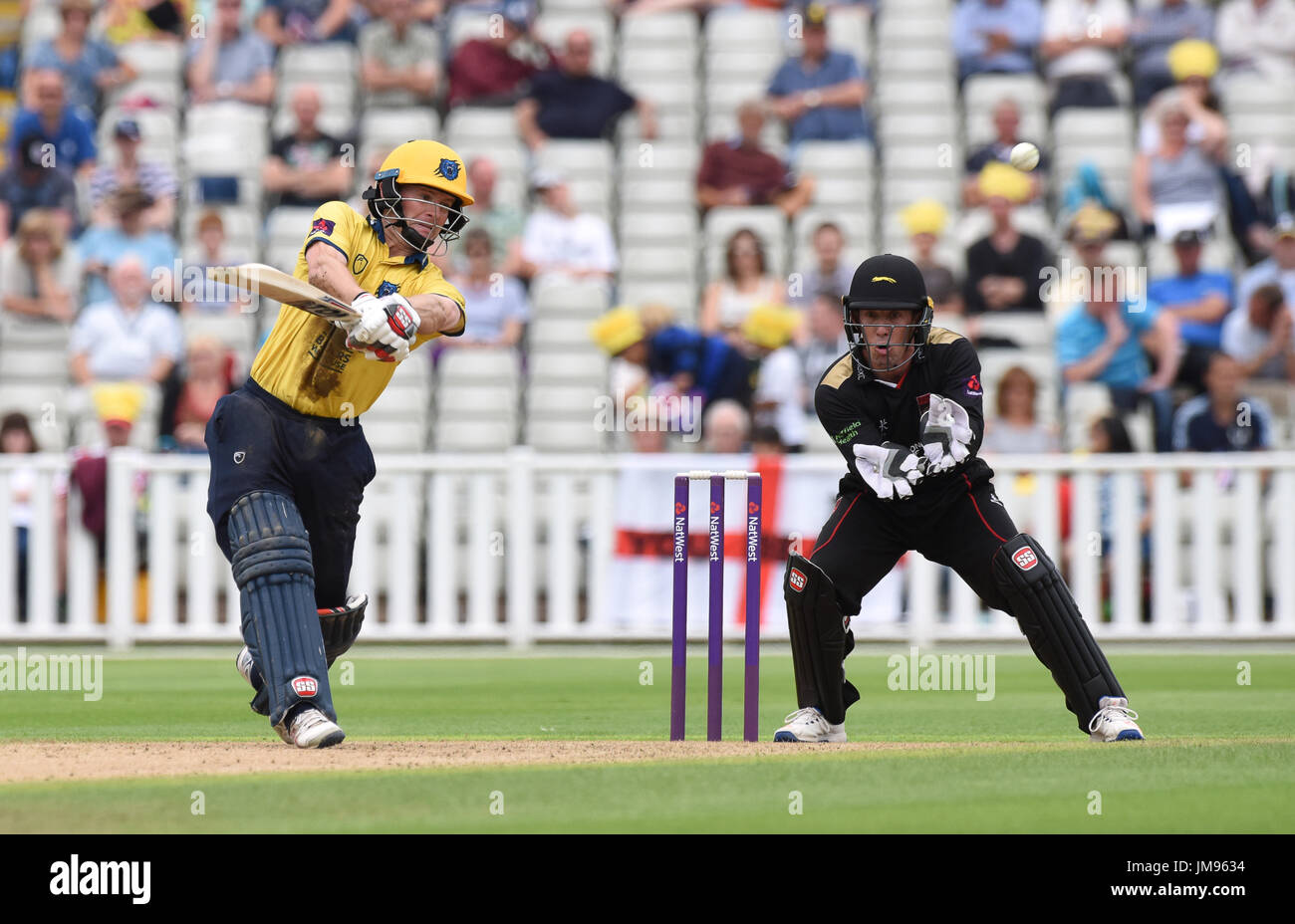 Warwickshire batsman cricketer William Porterfield and Leicester wicket keeper Luke Ronchi - Stock Image