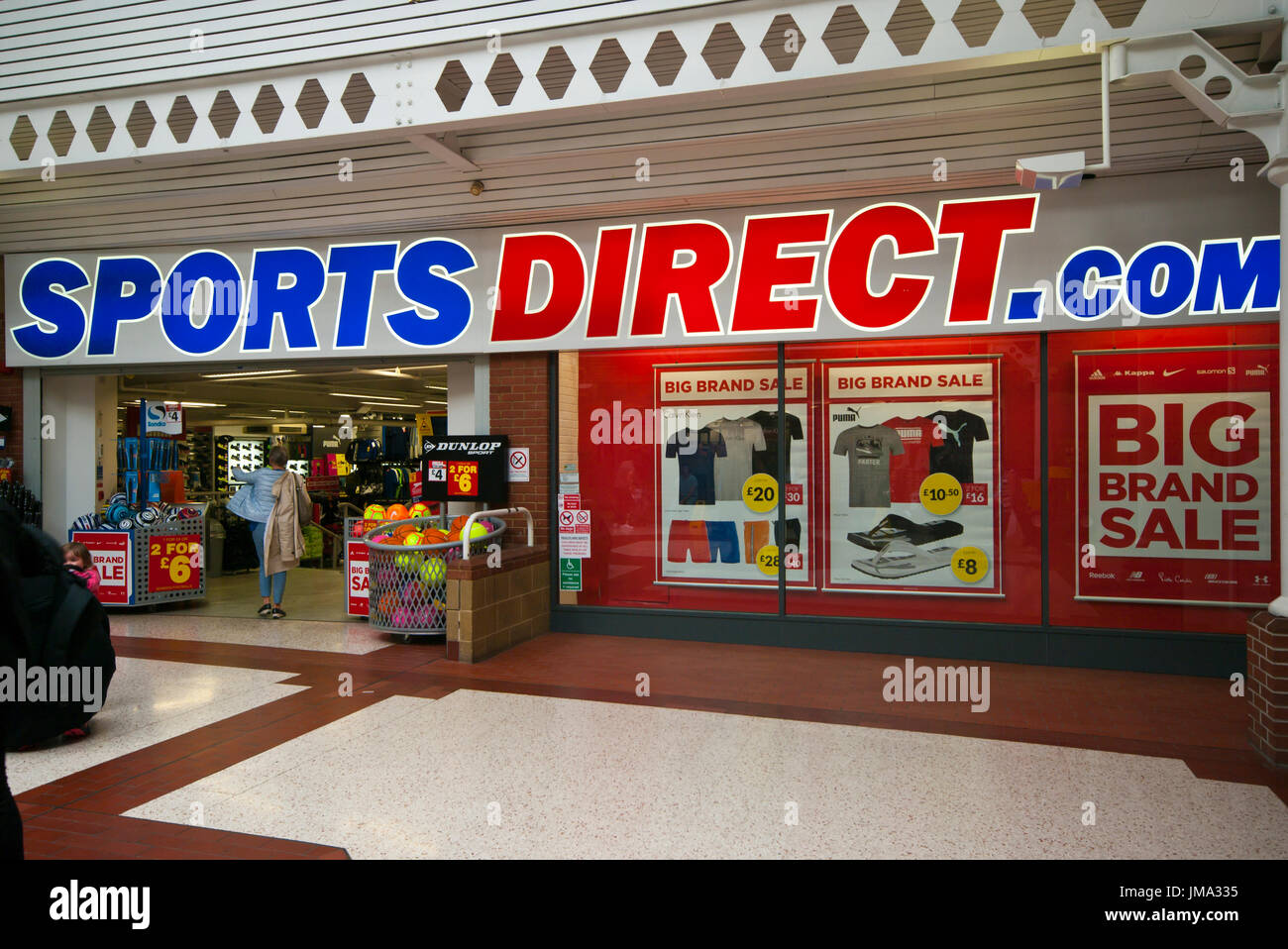 f84b5a111943 Front Exterior Outside Entrance to Sports Direct Shop Store - Stock Image