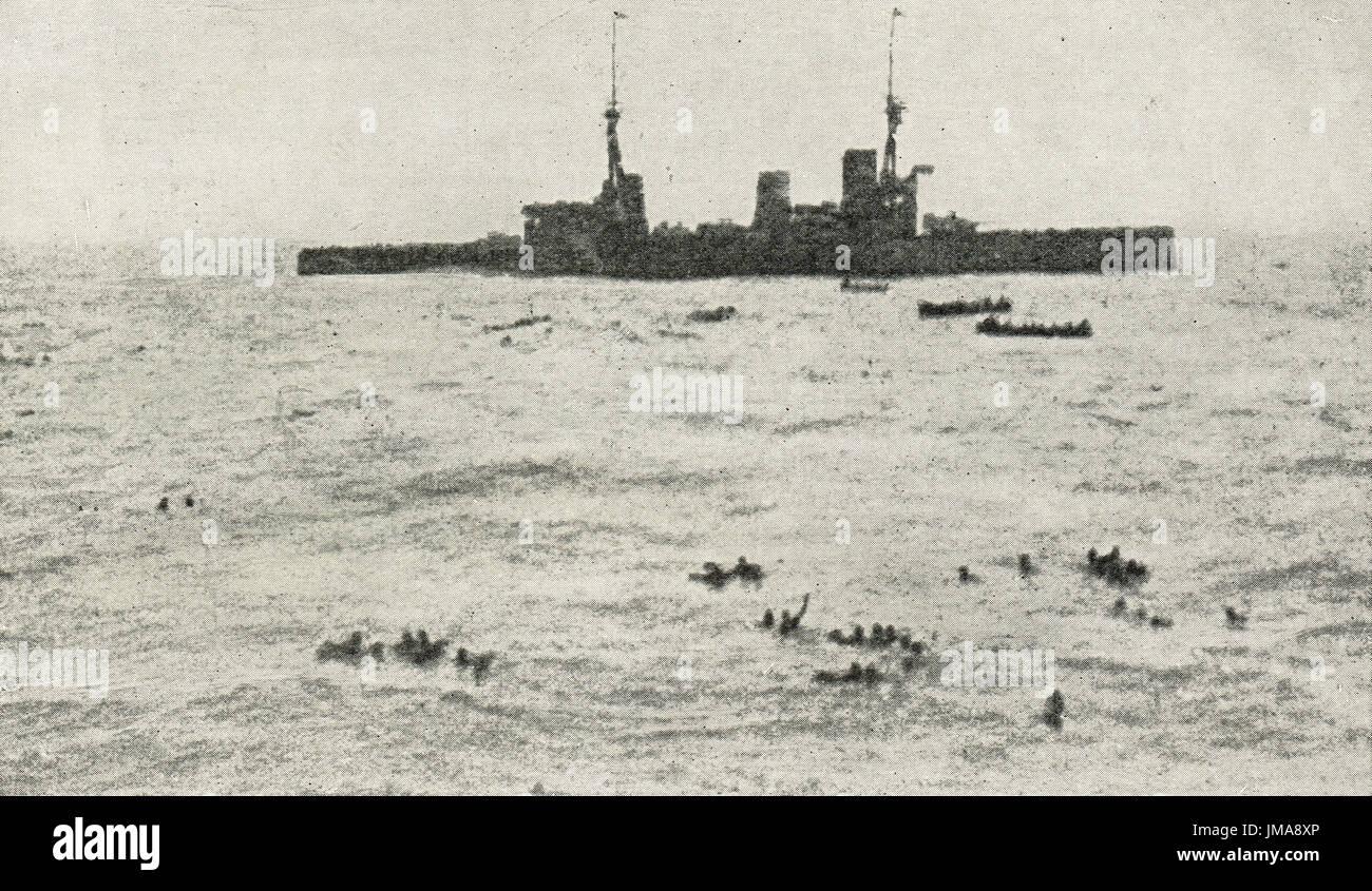 British Navy rescuing survivors of German armored cruiser SMS Gneisenau - Stock Image