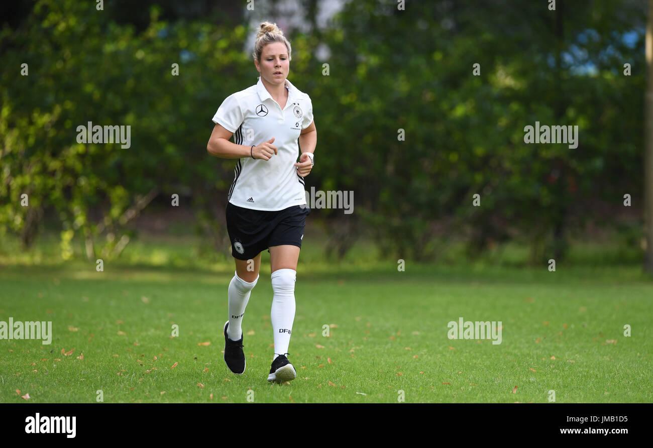 Injured Germany player Svenja Huth running during a Germany training session near Sint-Michielsgestel, the Netherlands, 27 July 2017. Photo: Carmen Jaspersen/dpa - Stock Image