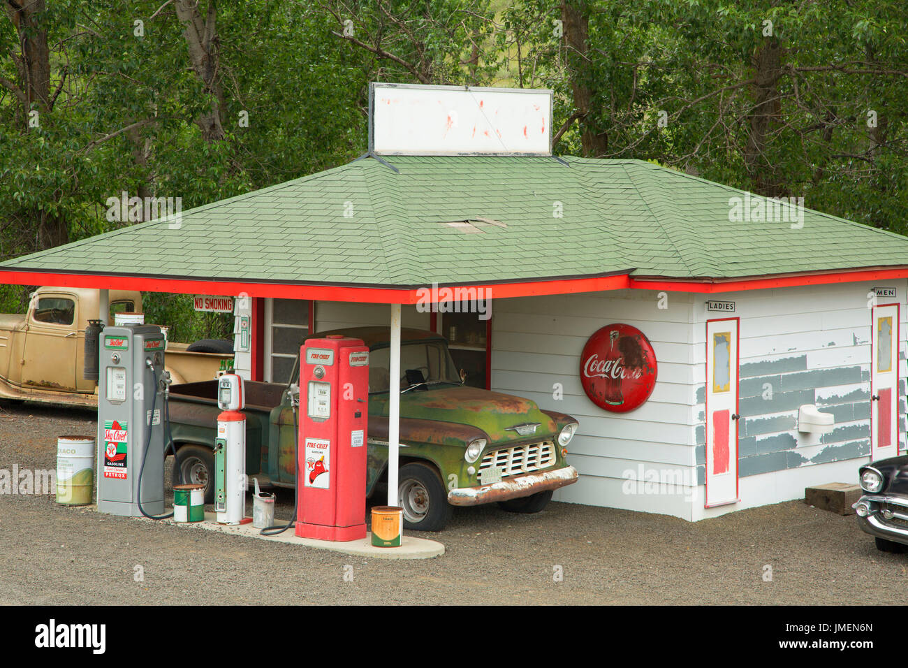 Tom Hennigar's vintage gas station, Whitman County, Washington Stock Photo  - Alamy