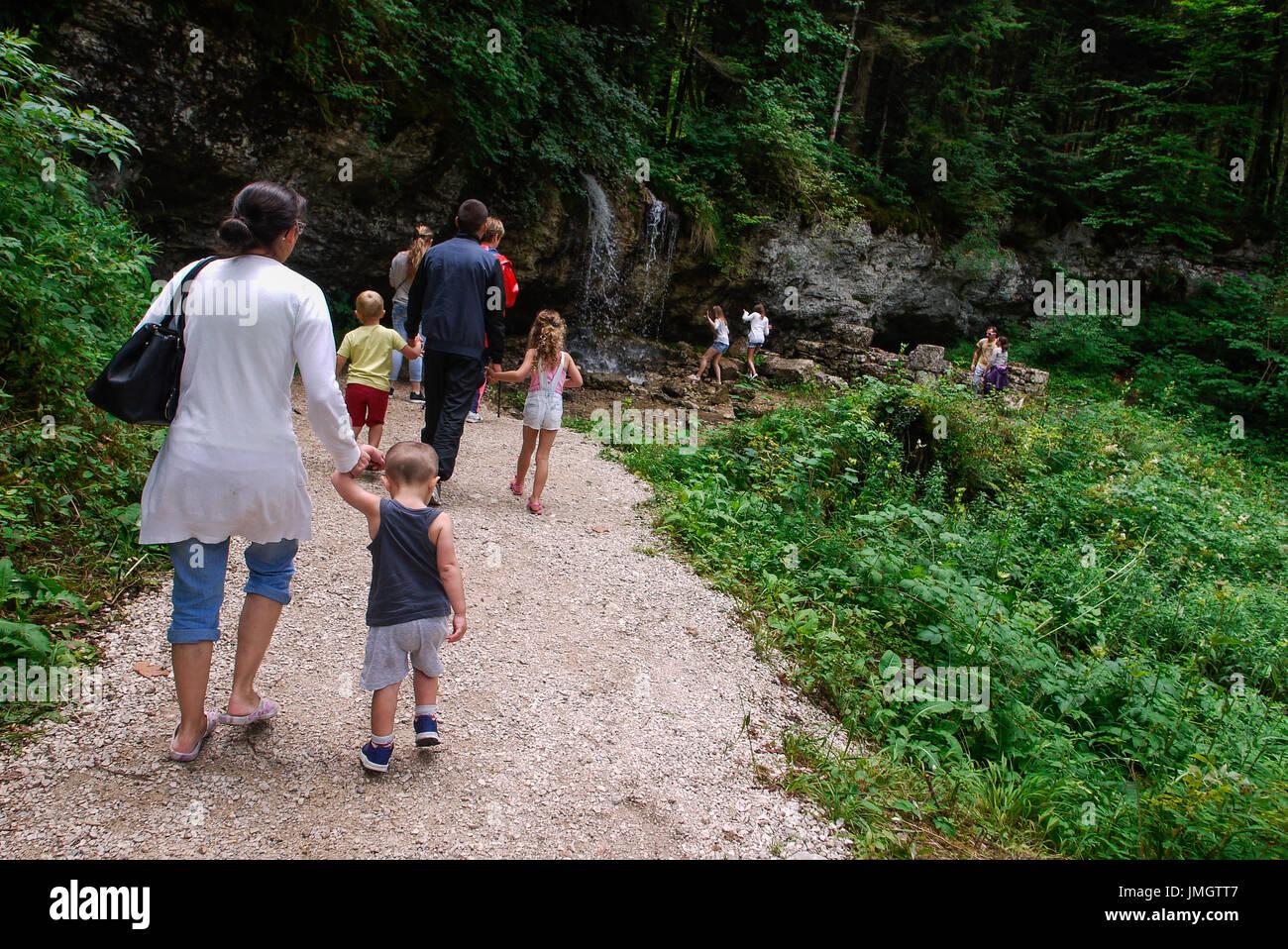Rambling at the Herisson waterfalls, Haut-Jura, France - Stock Image