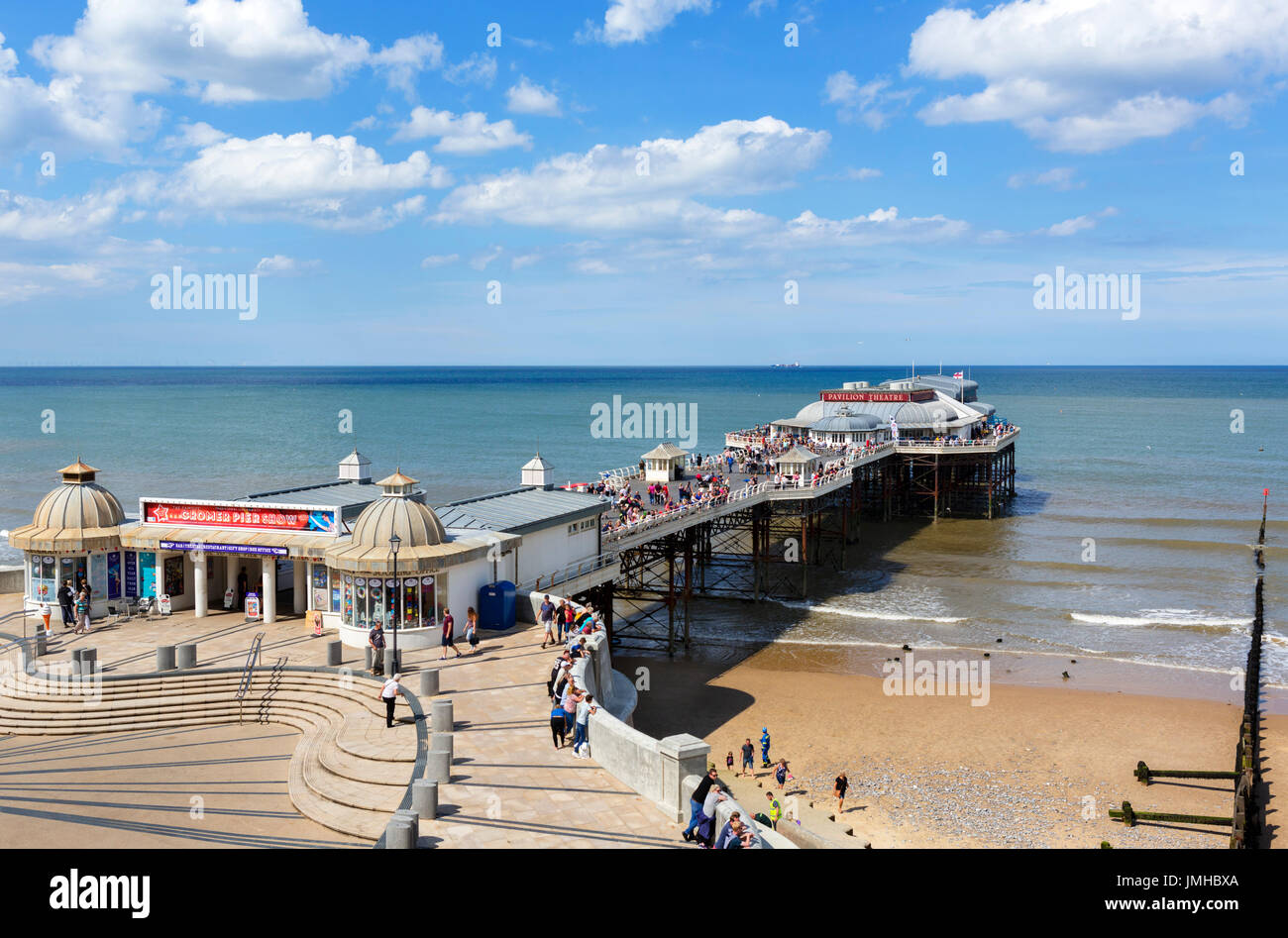 Cromer Pier. Beach and pier in Cromer, Norfolk, England, UK - Stock Image