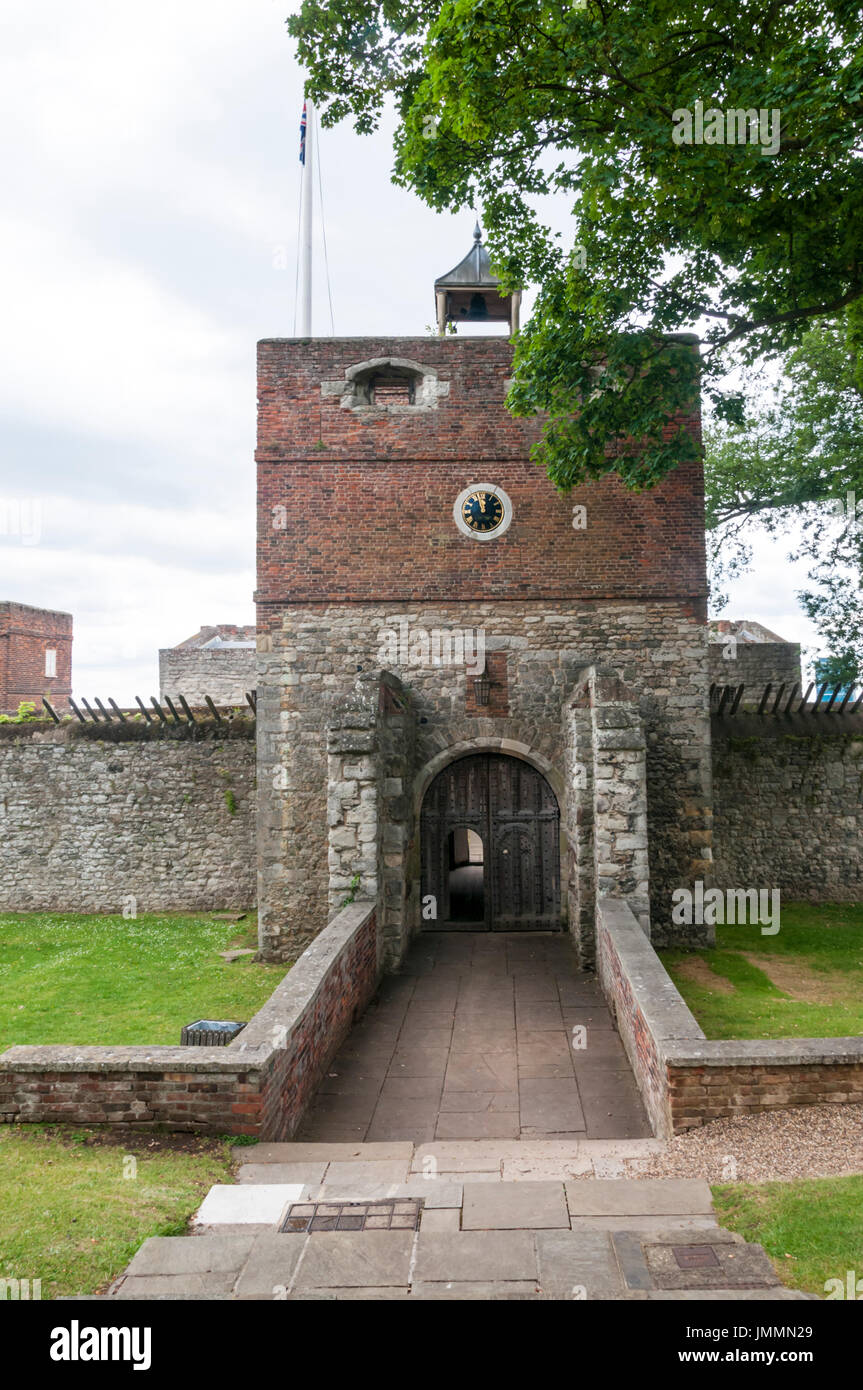 The Elizabethan Upnor Castle on the Hoo peninsula in north Kent, England. - Stock Image