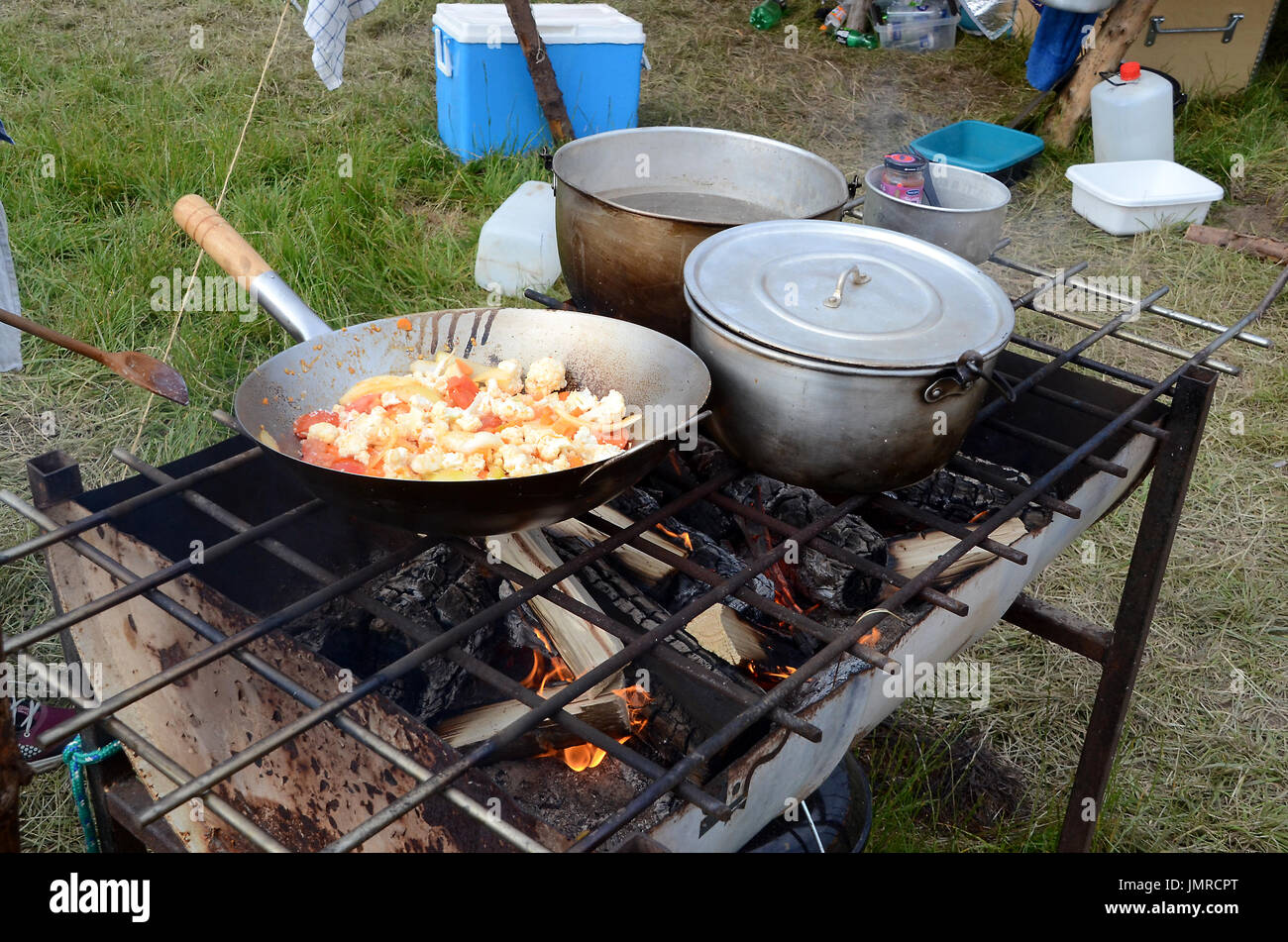 Scout Campfire High Resolution Stock Photography And Images Alamy
