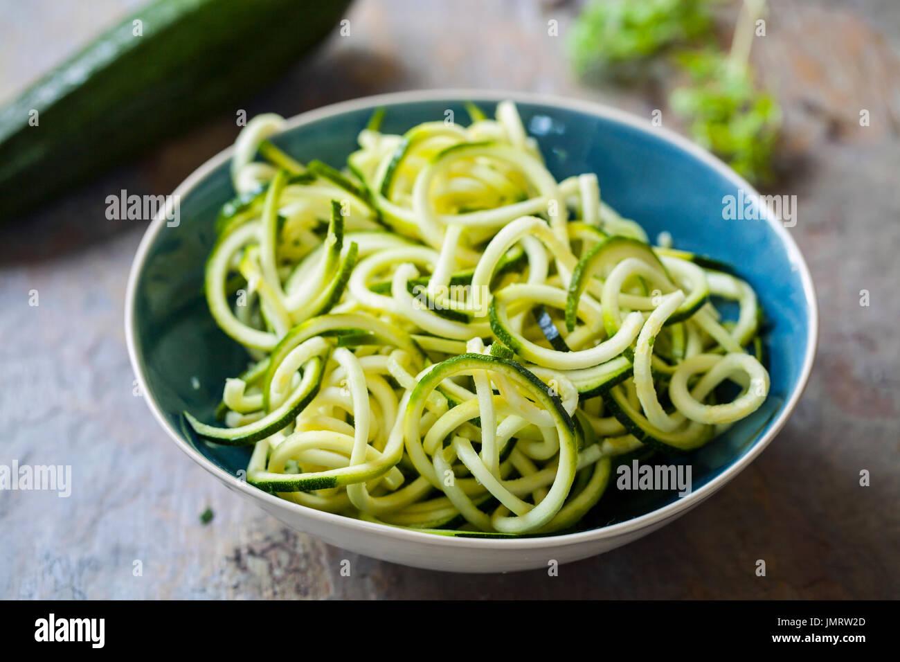 Courgette spaghetti - Stock Image