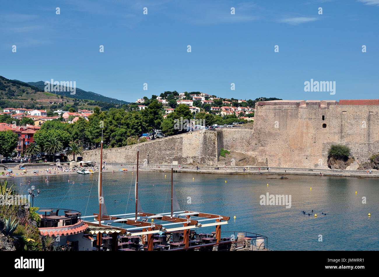 Town and fortifications of Collioure, commune on the côte vermeille in the Pyrénées-Orientales department, Languedoc-Roussillon region, in France - Stock Image