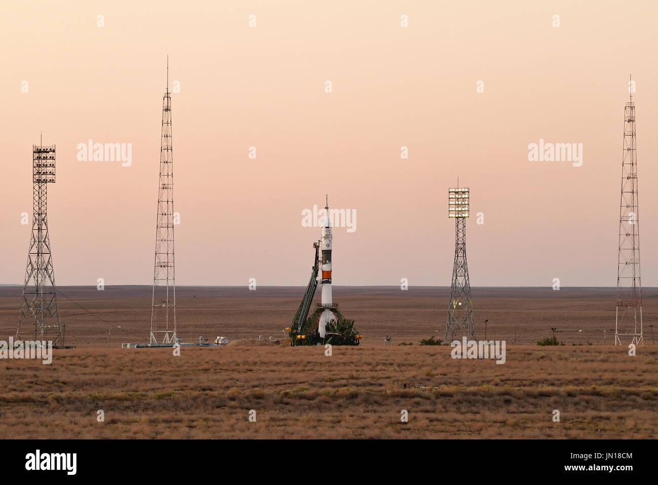 Baikonur, Kazakhstan 28th July, 2017 BAIKONUR, KAZAKHSTAN -- JULY 28, 2017: The Soyuz-FG rocket booster with the Soyuz MS-05 spaceship on the launch pad at Baikonur Cosmodrome. Yuri Smityuk/TASS Credit: Yuri Smityuk/TASS/Alamy Live News - Stock Image