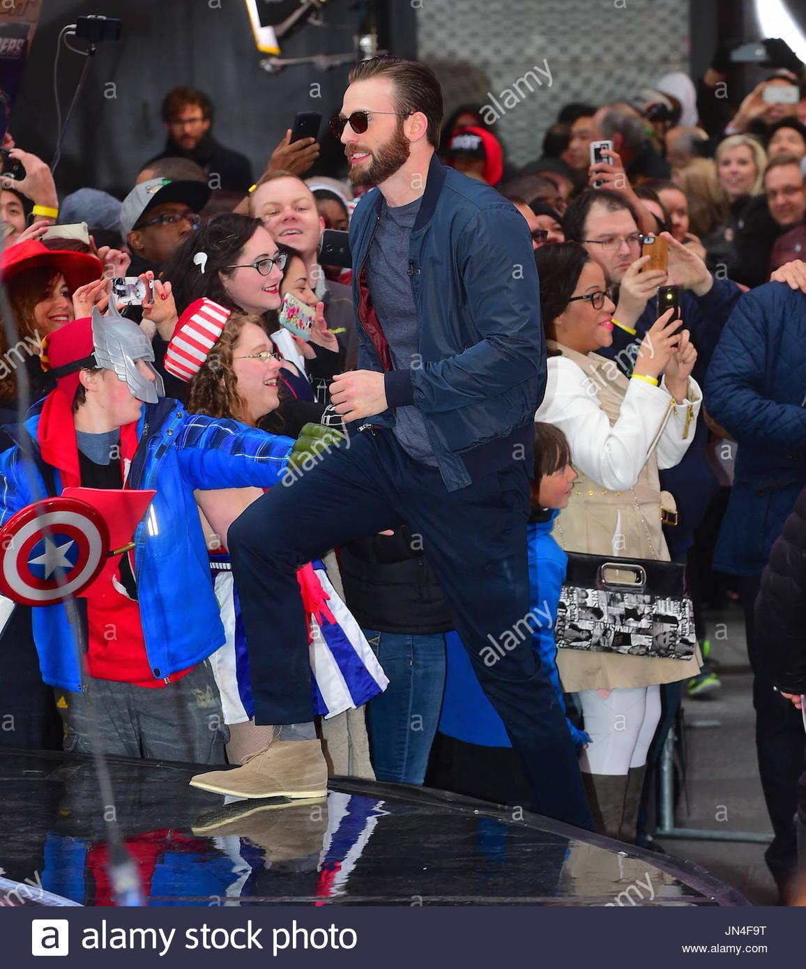 Chris Evans The Men From Avengers Minus Hemsworth Were Seen
