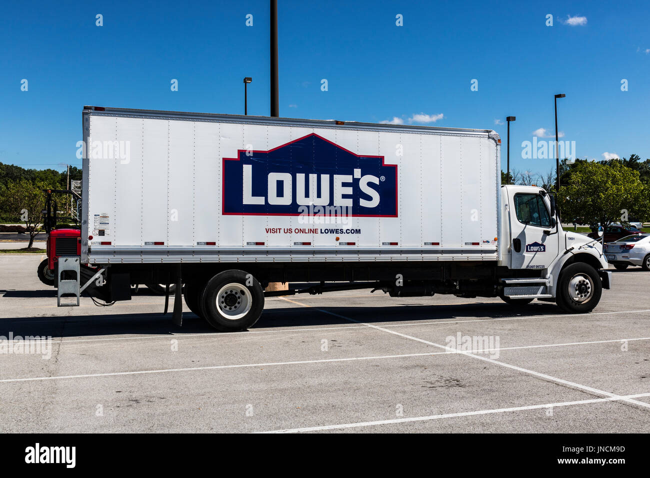 a9b8d3606f Indianapolis - Circa July 2017  Lowe s Home Improvement Delivery Truck. Lowe s  operates retail home