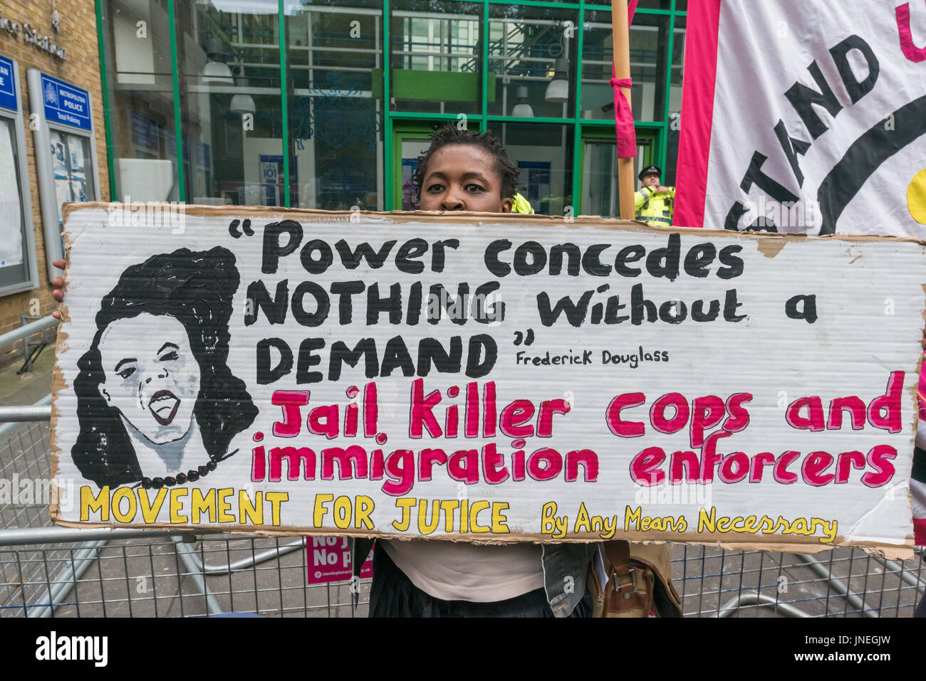 London, UK. 29th July, 2017. London, UK. 29th July 2017.A Movement for Justice supporter holds a poster calling - Stock Image