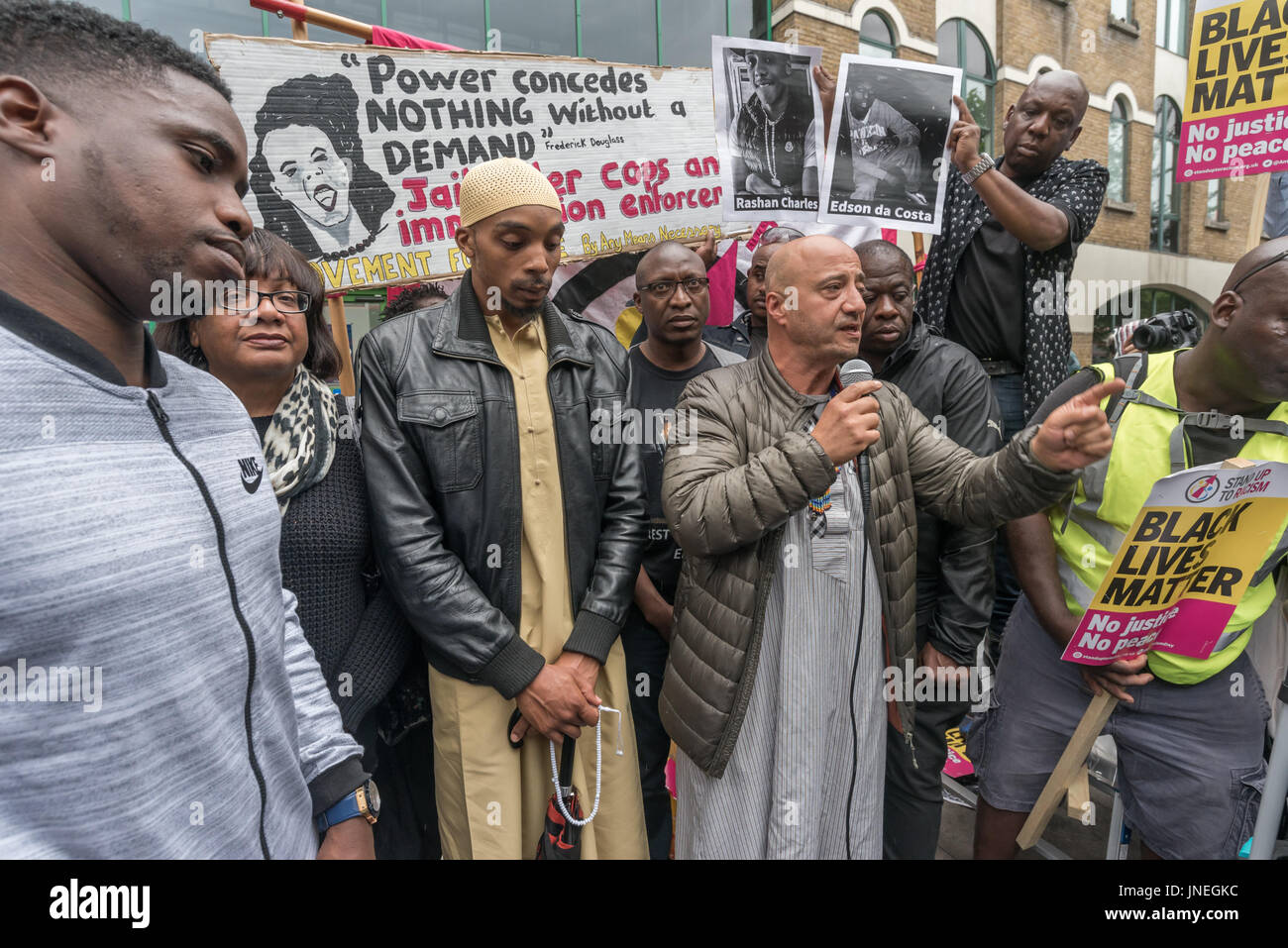 July 29, 2017 - London, UK - London, UK. 29th July 2017. A speaker from the local mosque at the protest outside - Stock Image