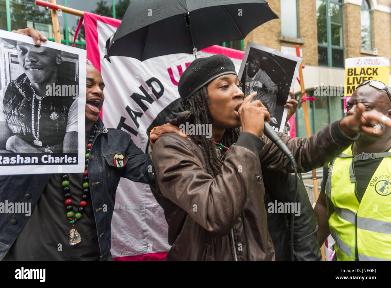 London, UK. 29th July, 2017. London, UK. 29th July 2017. A young man from the community speaks at the protest outside - Stock Image