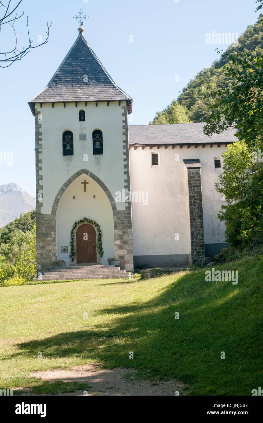 Ermita de Sta Elena at the fort of Santa Elena, Pyrenees Mountains, Huesca province, Aragon, Spain Stock Photo