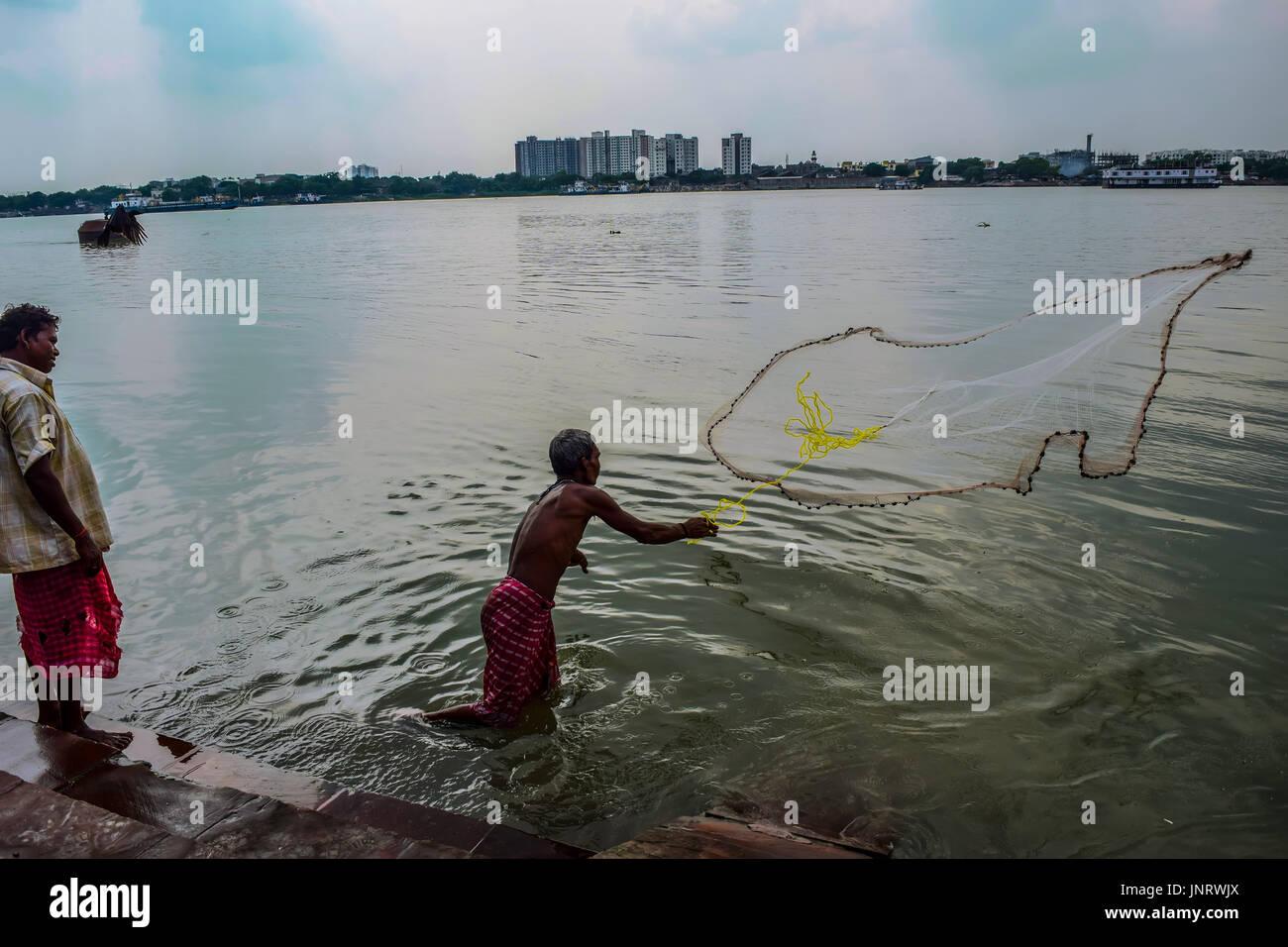 Ganga river stock photos ganga river stock images alamy for River fishing games
