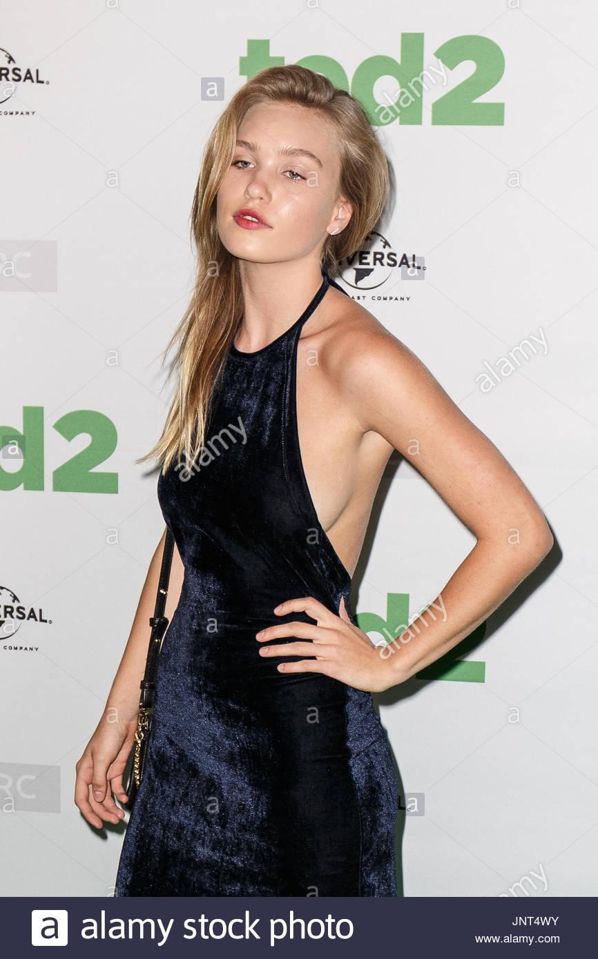 Celebrity Natasha Poly nude (36 photos), Sexy, Cleavage, Twitter, cameltoe 2017