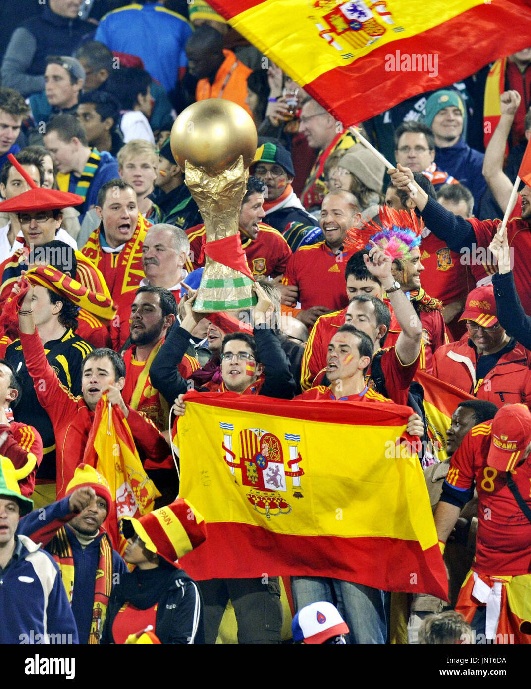 PRETORIA, South Africa - Supporters of Spain cheer for their team during a World Cup Group H match between Spain and Chile at Loftus Versfeld Stadium in Pretoria, South Africa, on June 25, 2010. Spain beat Chile 2-1 but both teams advanced to the round of 16. (Kyodo) Stock Photo