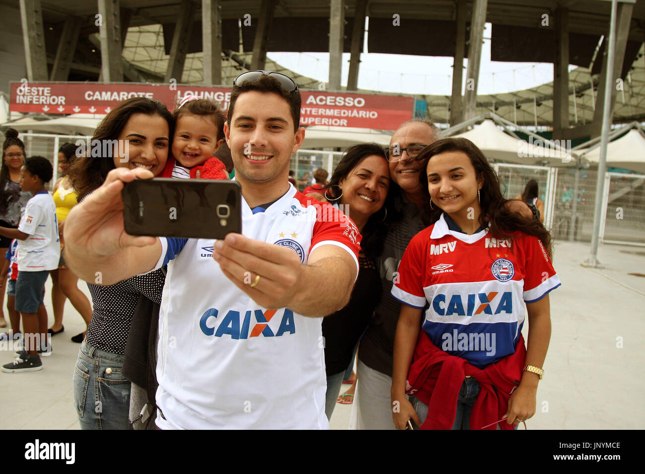 e286f697acd58 30th July, 2017. Fans arriving at the Arena for the game Bahia X Sport held  at the Arena Fonte Nova in Salvador, BA. Credit: Edson Ruiz/FotoArena/Alamy  Live ...