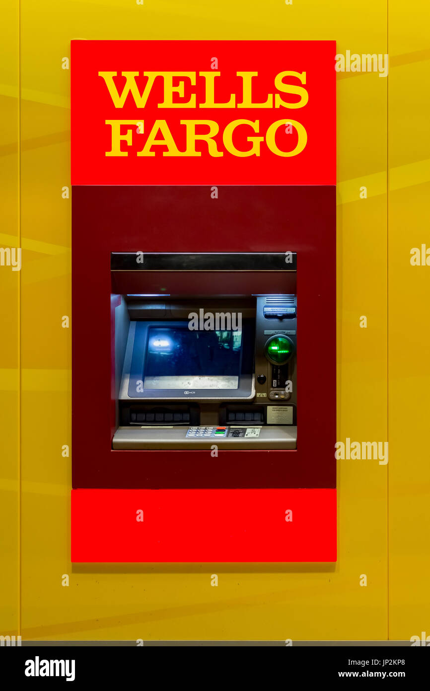 Wells Fargo Bank ATM Stock Photo: 151264800 - Alamy