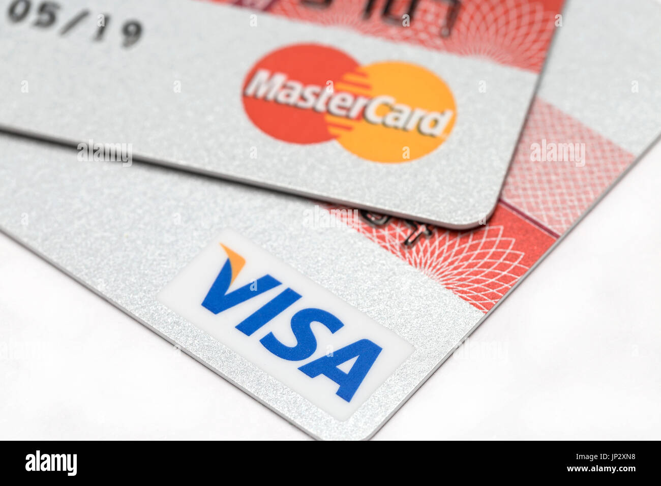 how to know if credit card is visa or mastercard