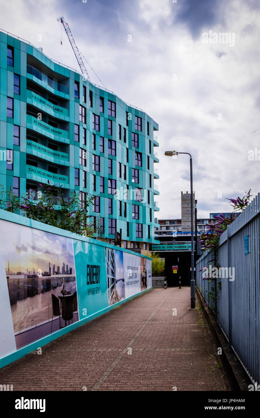 London,Greenwich.Barratts Homes new development of luxury new build riverside apartments at Enderby Wharf - Stock Image