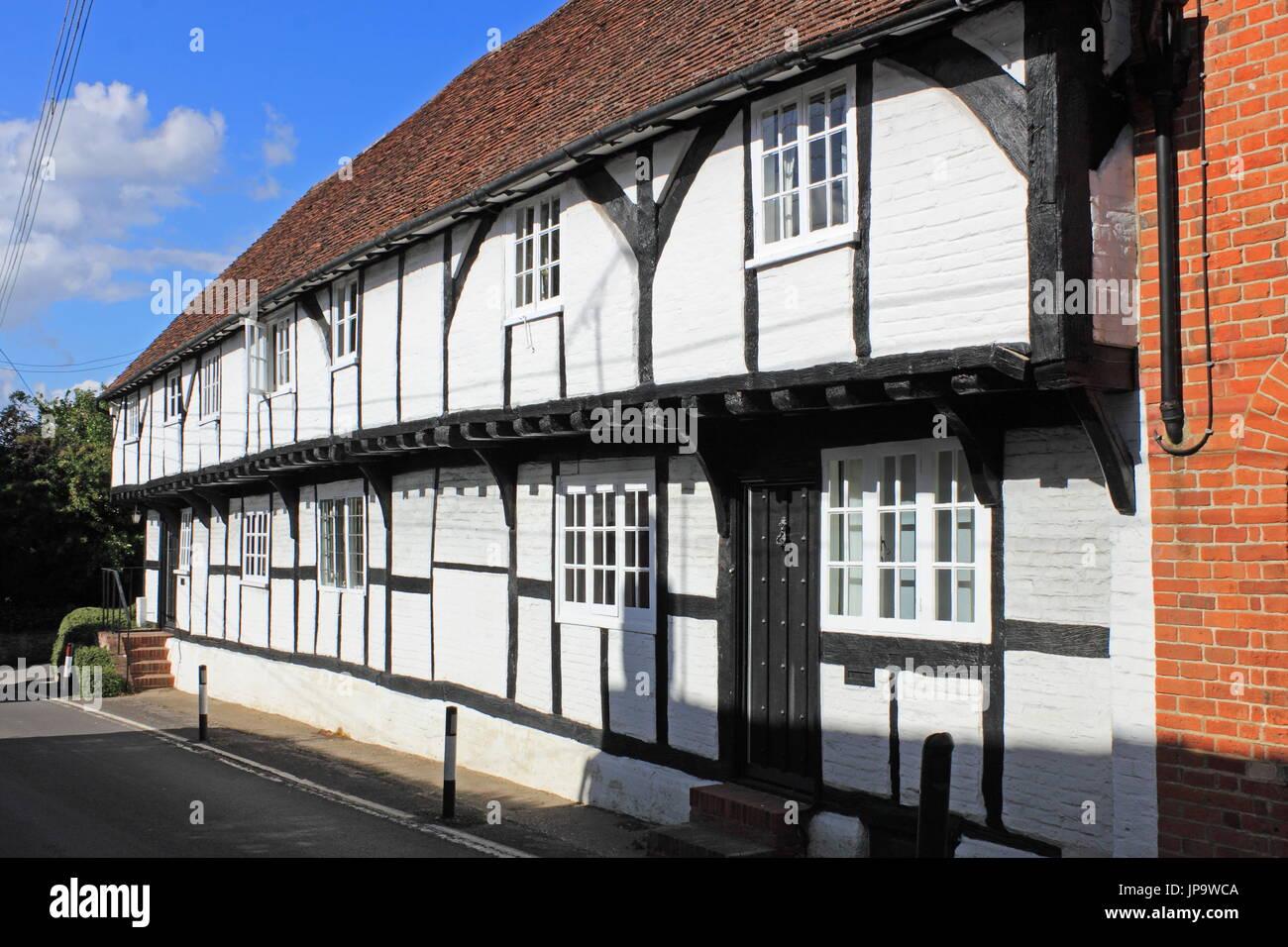 Tudor Cottages (c1540), King Street, Odiham, Hart District, Hampshire, England, Great Britain, United Kingdom, UK, Europe - Stock Image