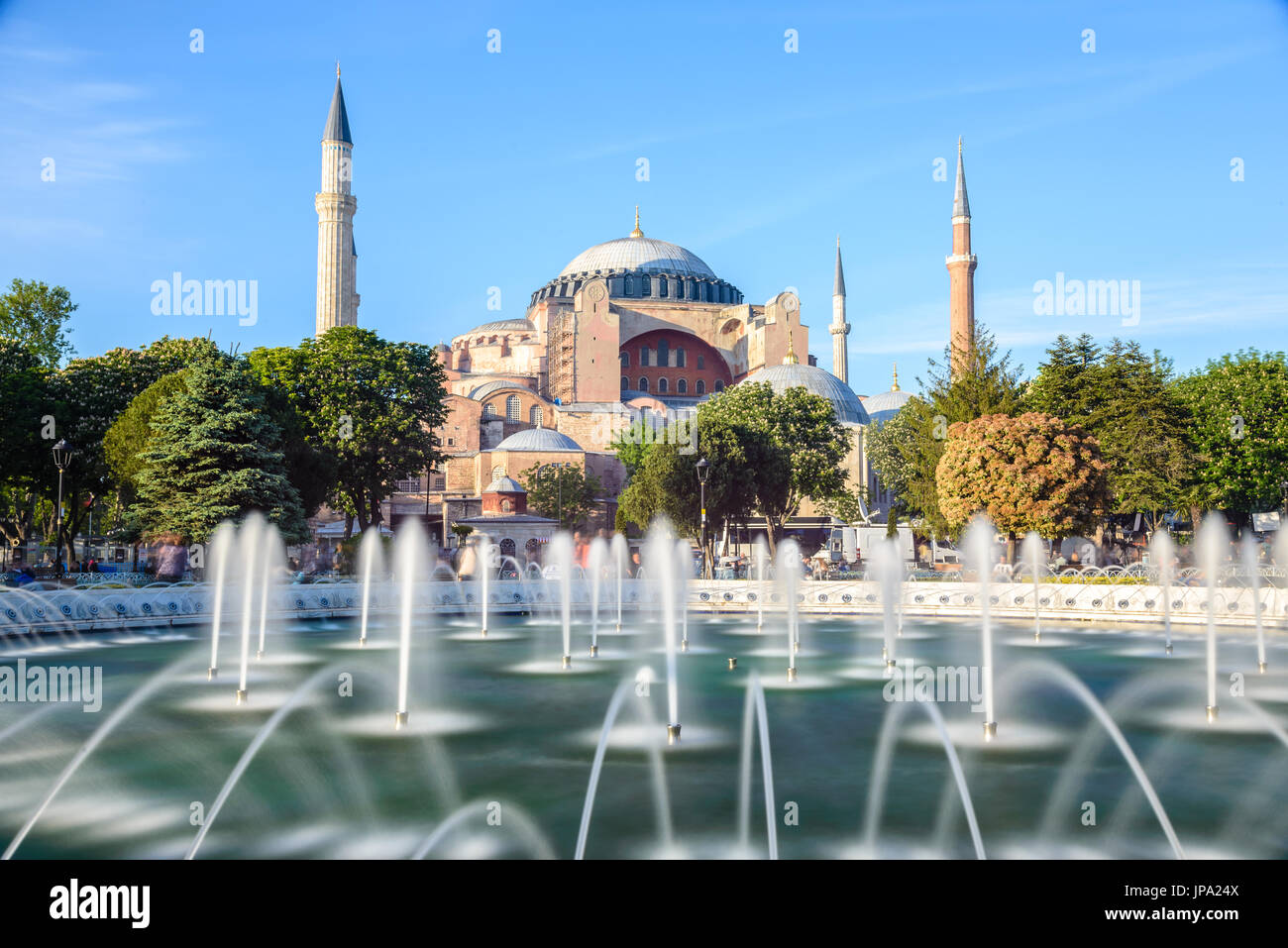 Hagia Sophia with fountain in the foreground, Sultan Ahmet Park, Istanbul, Turkey - Stock Image