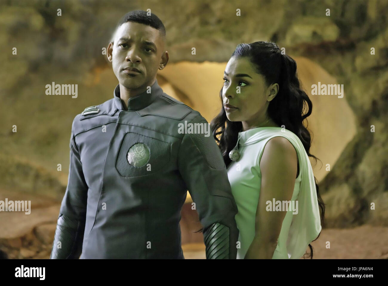 After Earth 2013 Columbia Pictures Film With Will Smith And Sophie Stock Photo Alamy