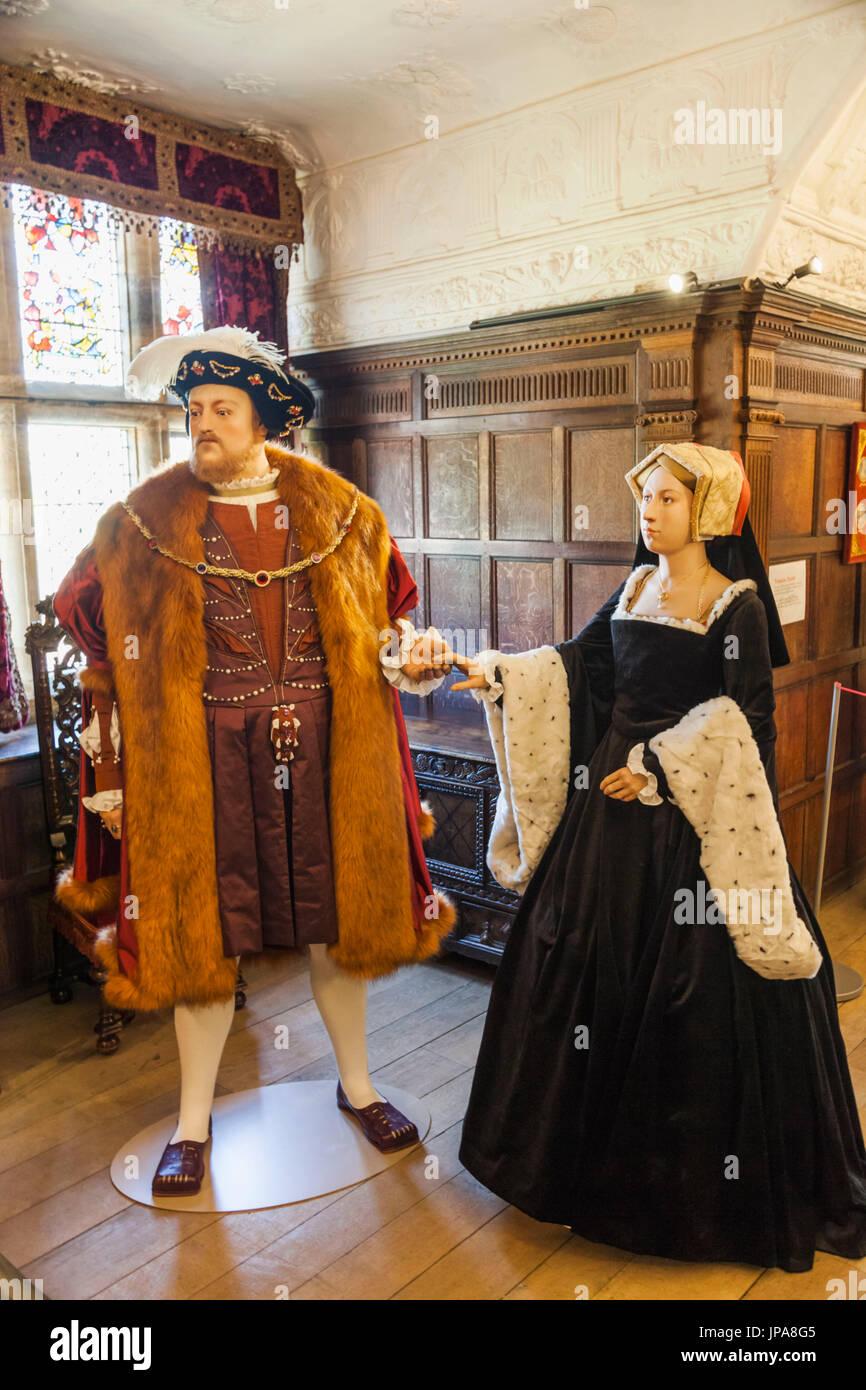 England, Kent, Hever, Hever Castle, Waxwork Figures of Anne Boleyn and Henry VIII - Stock Image