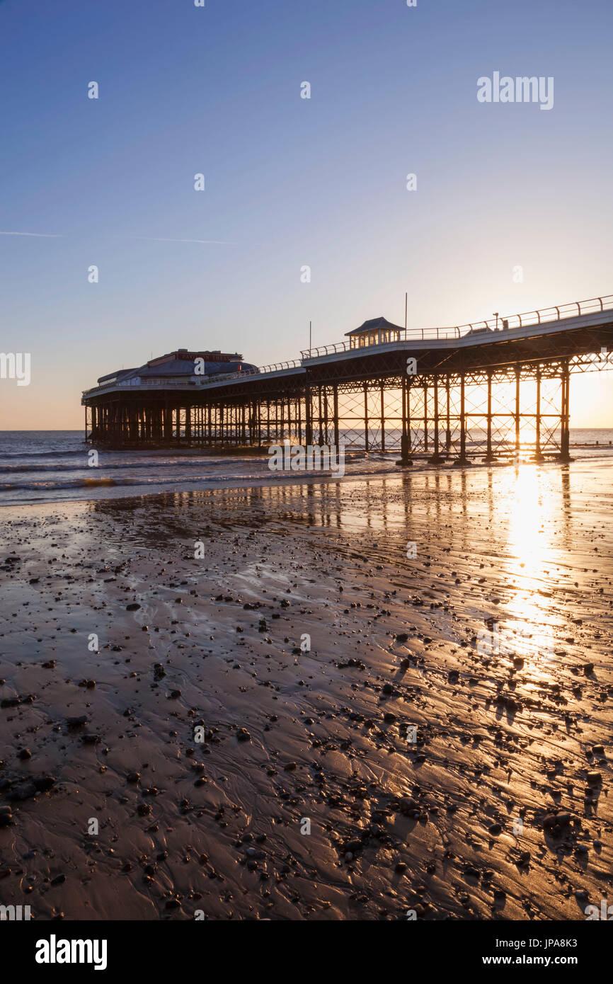 England, Norfolk, Cromer, Cromer Pier Stock Photo