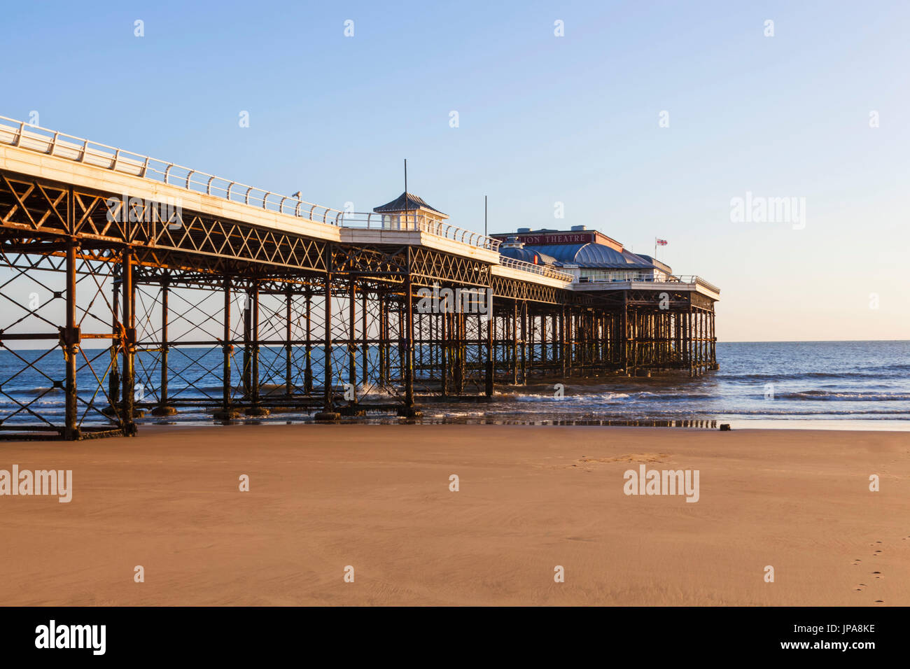 England, Norfolk, Cromer, Cromer Pier Stock Photo