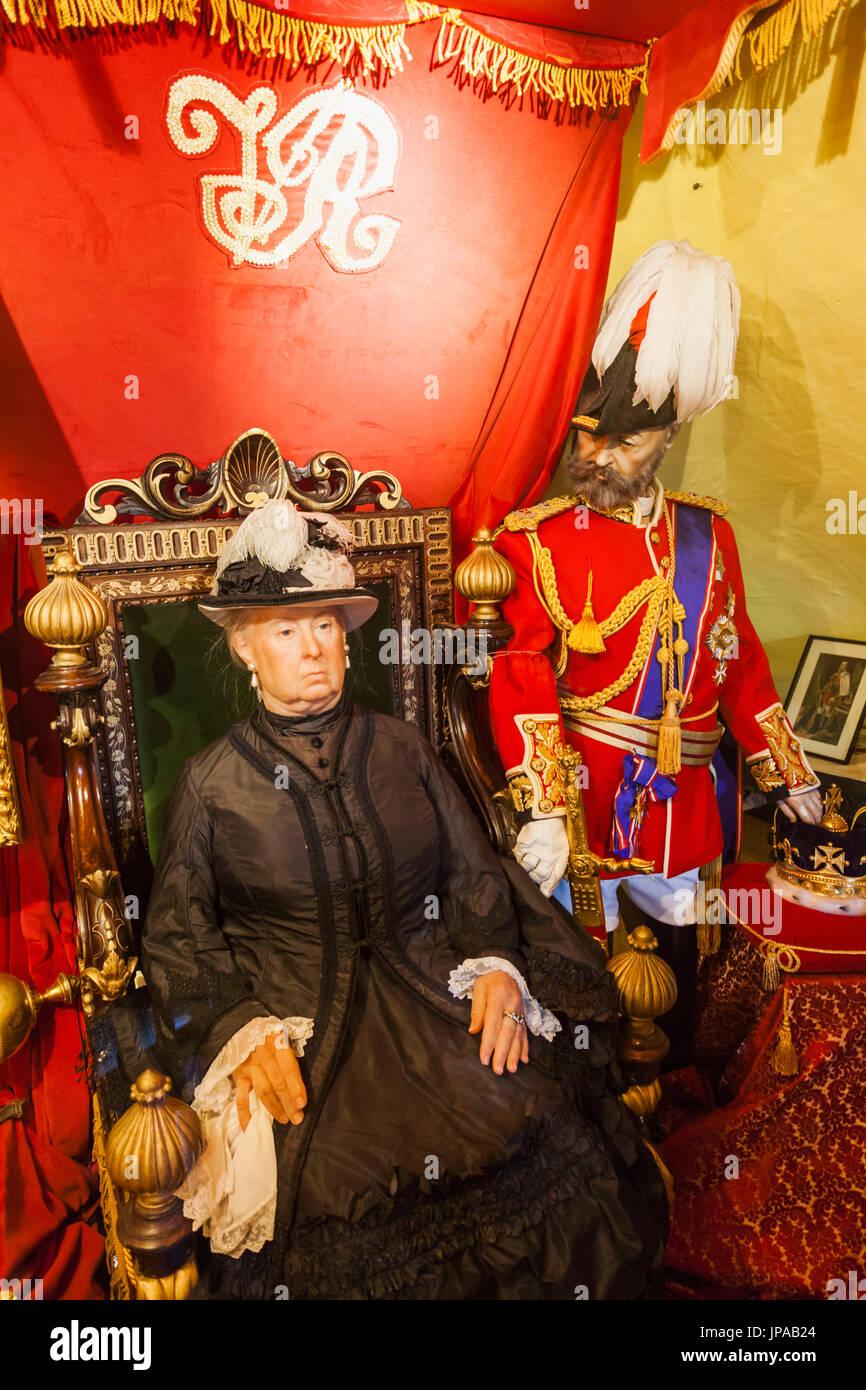 England, East Sussex, Battle, Yesterdays World Museum, Waxwork Exhibit of Queen Victoria and Prince Albert - Stock Image