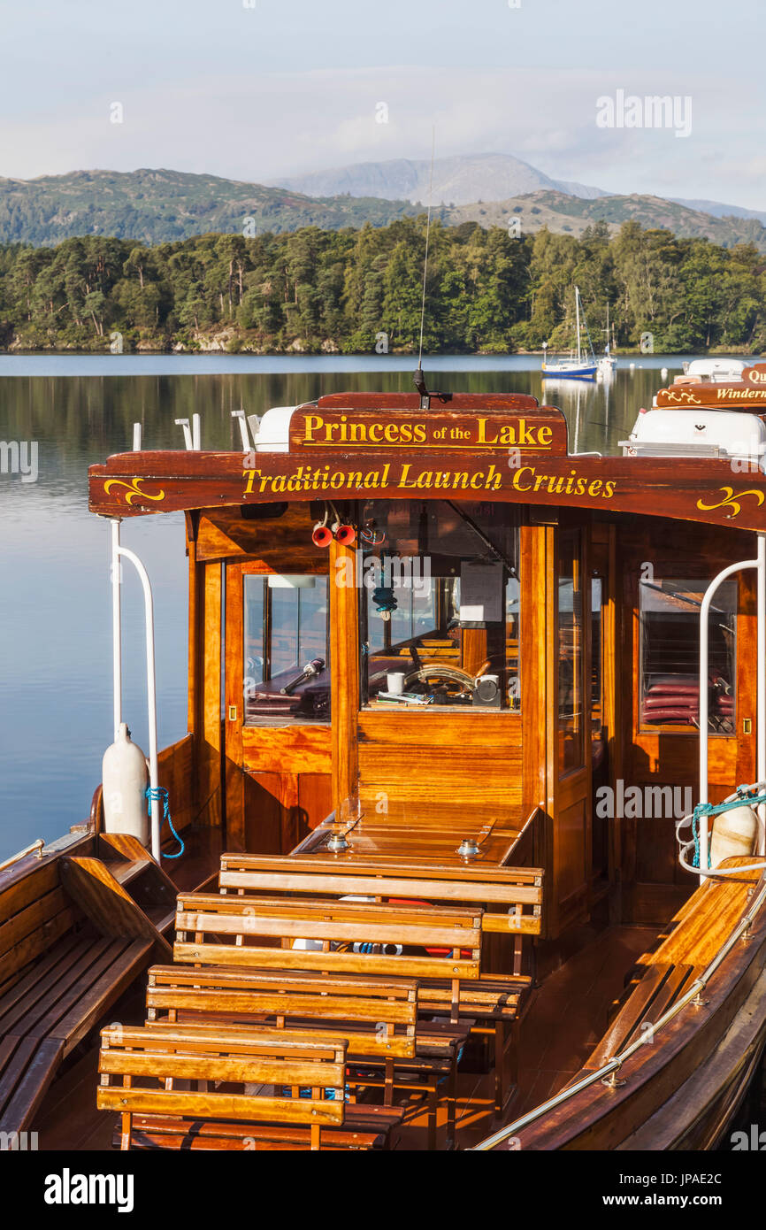 England, Cumbria, Lake District, Windermere, Ambleside, Excursion Boat - Stock Image