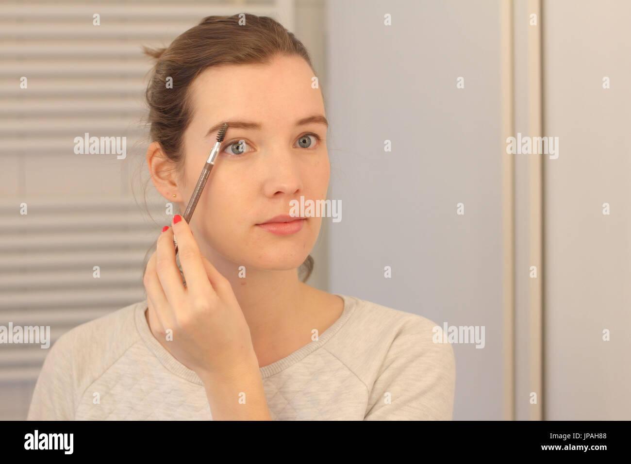 Woman Eyebrows Mirror Stock Photos Woman Eyebrows Mirror Stock