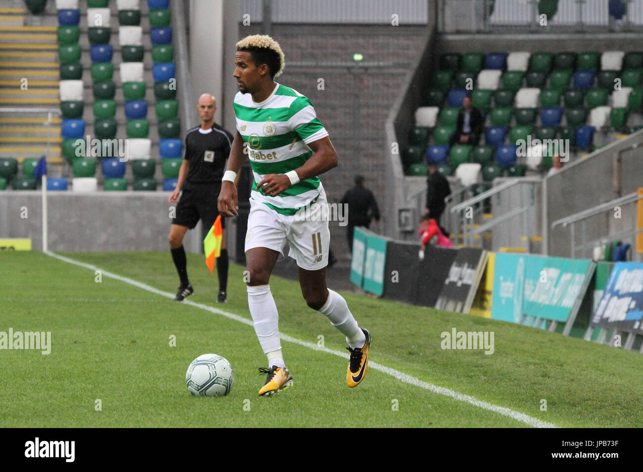 Windsor Park, Belfast, Northern Ireland. 14th July. Linfield 0 Celtic 2. Celtic's Scott Sinclair (11) in action. - Stock Image