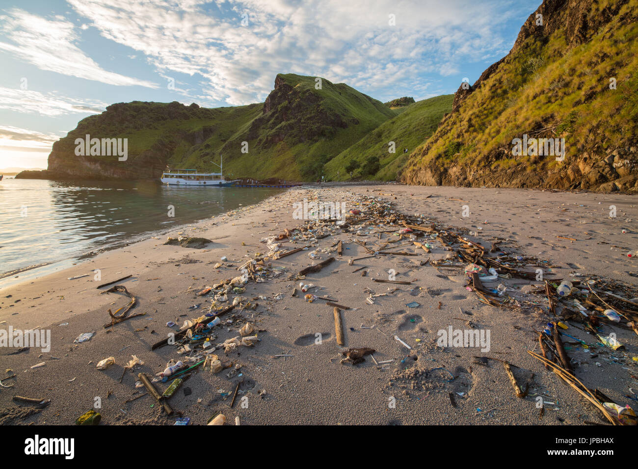 Plastic waste at the beach of Gili Padar, Komodo National Park, UNESCO, world heritage, Indonesia - Stock Image