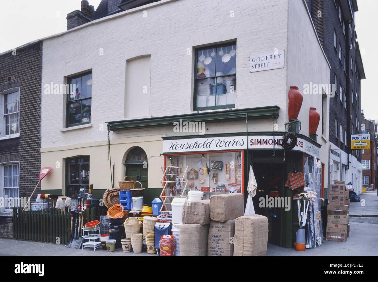 Household Wares corner shop, London, England, UK, Circa 1985 - Stock Image