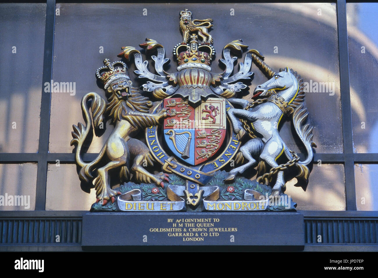 The old Royal Warrant of Garrard & Co as crown jeweller, Mayfair, London, England, UK. Circa 1980s - Stock Image